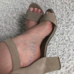 5a3cb6df604 Clarks Shoes - NWT Clarks 7M tan suede sandal heels Deva Mae